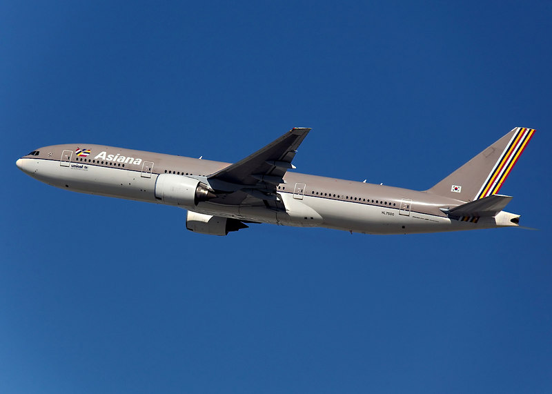 Asiana Boeing 777 departing from San Francisco (KSFO).<br /> Registration HL7500