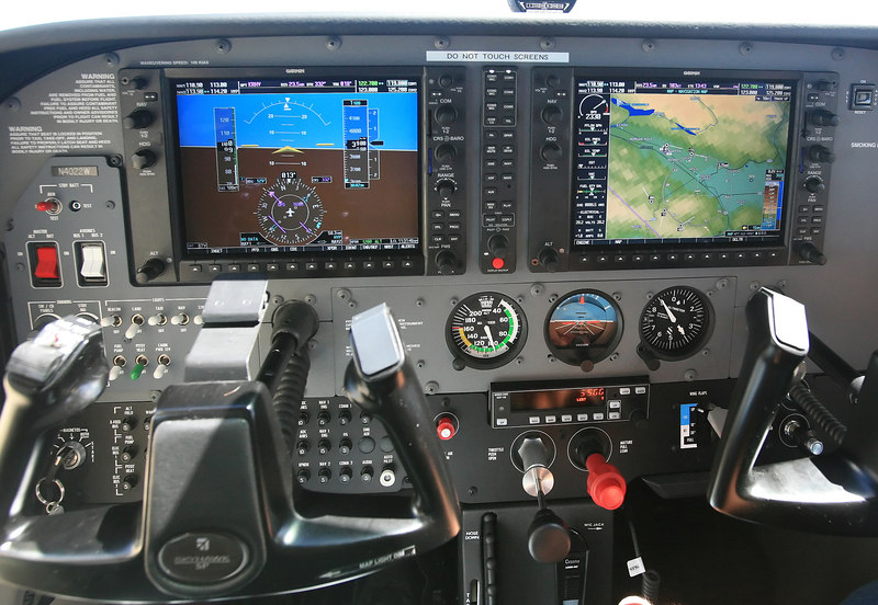 """Garmin G1000 """"Glass Cockpit"""" in a Cessna 172. This shot was taken while in flight."""