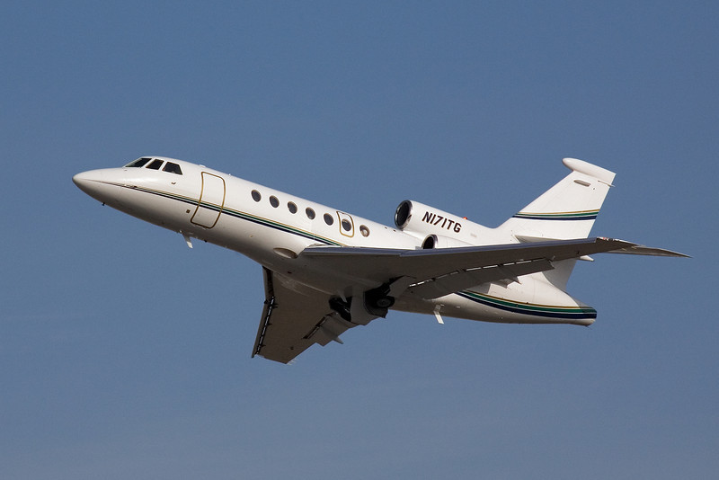 Dassault Falcon 50 departing from San Jose International KSJC