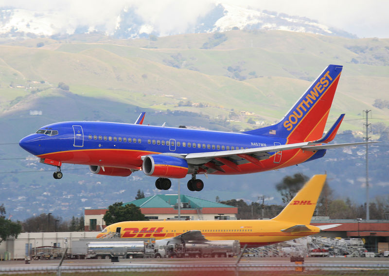 Southwest Airline Boeing 737, N457WN, landing at San Jose, California.