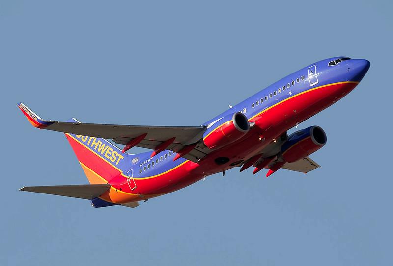 Southwest Airlines Boeing 737, N258WN, departing from KSJC, San Jose, California.