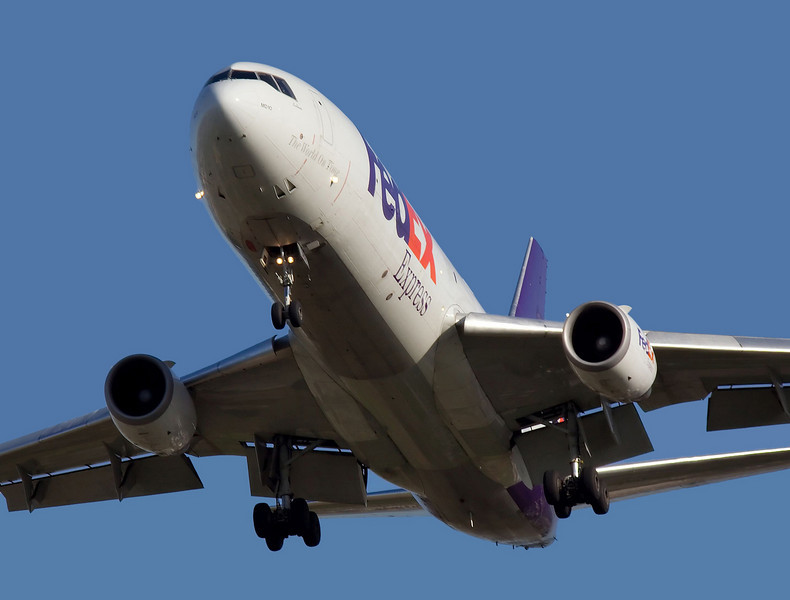 FedEx DC-10 on approach to San Jose (KSJC) runway 30L