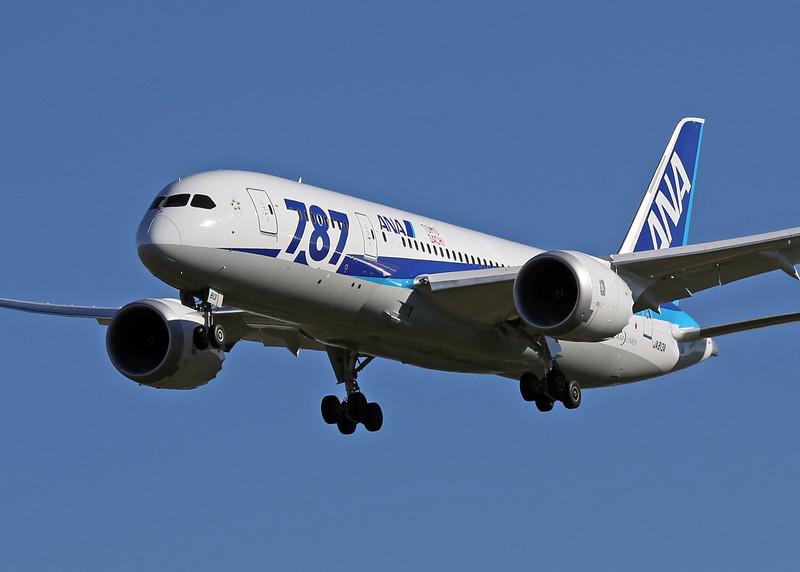 ANA 787 arriving at San Jose California.