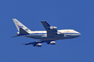 "NASA 747 doing ""Touch and Go"" at Fresno Yosemite Airport"