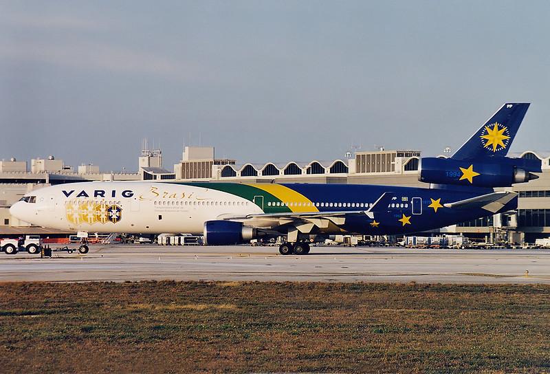 Varig  PP-VPP McDonnell Douglas MD-11 MSN: 48501 Miami - Intl  (MIA / KMIA) Florida, USA - January 2000