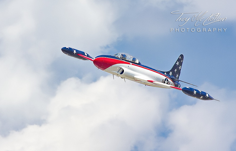 A T-33 Tips the Wings at Sun n' Fun 2017