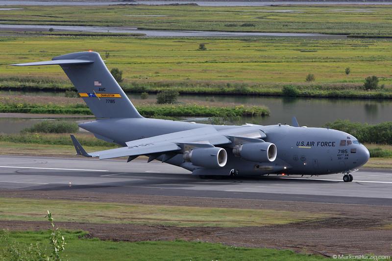 07-7185 Boeing C-17A USAF @ Akureyri Iceland 4Aug09