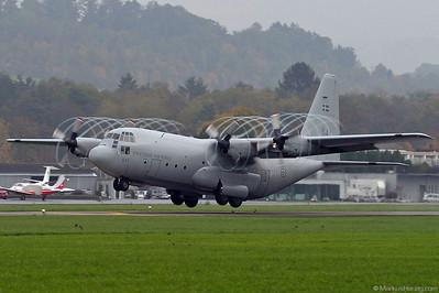 843 C130 Swedish Air Force @ Bern Switzerland 20Oct03