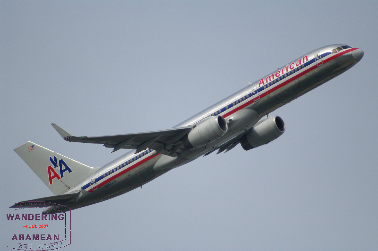 An AA 757-200 (N663AM) headed out from LaGuardia