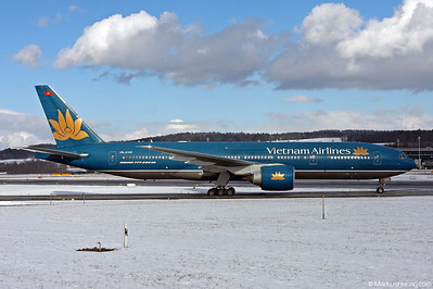 VN-A142 B777-2Q8ER Vietnam Airlines @ Zurich Switzerland 30Jan10