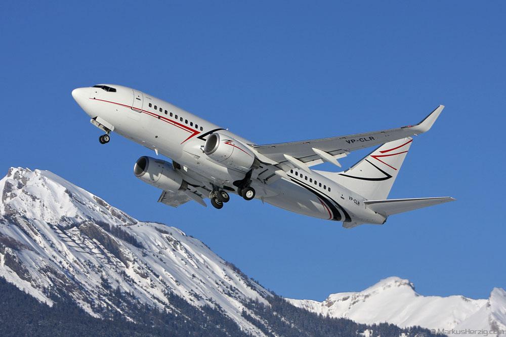 VP-CLR B737-7EB BBJ LUK Aviation @ Sion Switzerland 25Jan09