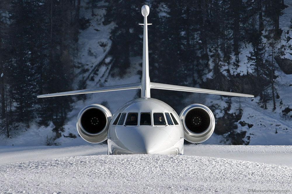 VP-CGA Falcon 2000 VW Air Service @ Samedan Switzerland 23Jan04