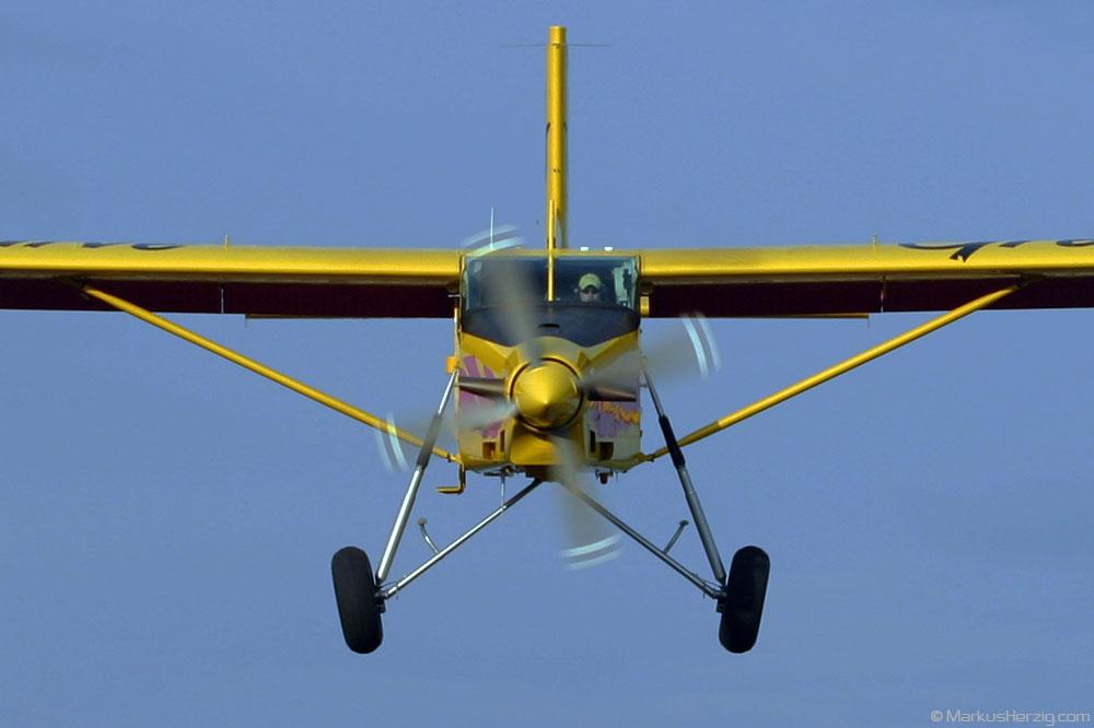 HB-FLK PC-6/B2-H4 #779 Skydive Grenchen @ Grenchen Switzerland 24Aug03