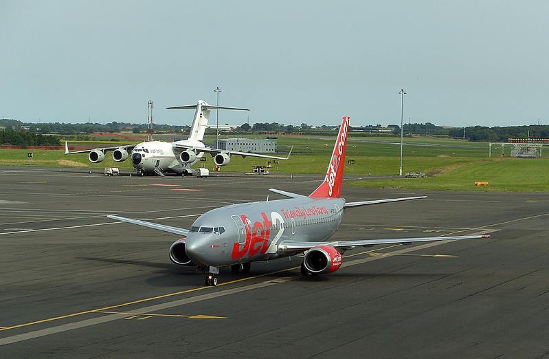 JET2,737,Reg,G-CELX + KUWAIT AIR FORCE C17,no 342.<br /> Newcastle Airport.Sat,27th Aug 2016.