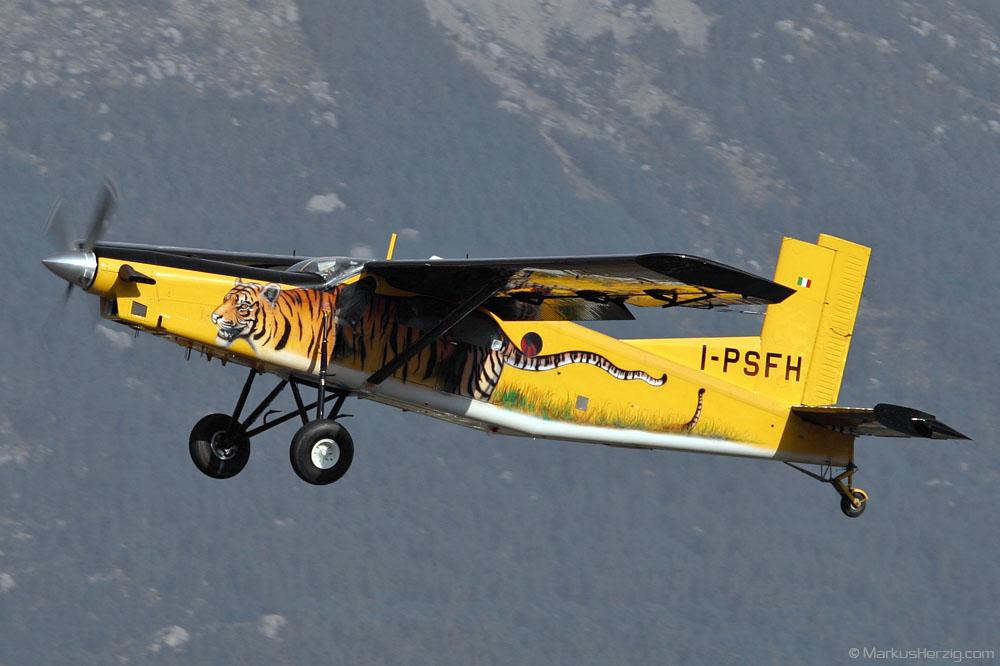 I-PSFH PC-6/B2-H4 #778 Skydive Marche @ Gap-Tallard France 7Sep03