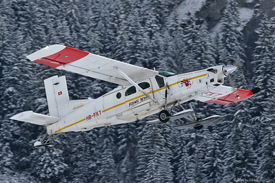 HB-FKT PC-6/B2-H4 #876 Flying Devil @ Saanen Switzerland 26Jan07