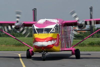 OE-FDE Short Skyvan Pink Aviation Services @ Leer-Papenburg Germany 17Jul04