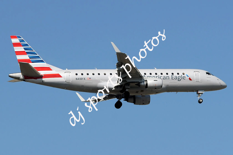 American_Eagle_(Republic_Airlines)_Embraer_175_on_finals_at_EWR