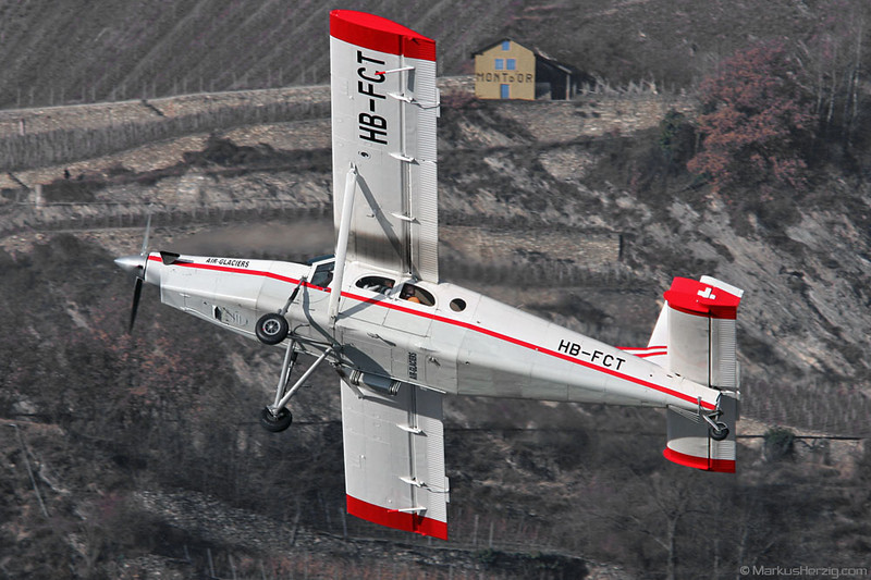HB-FCT PC-6/B2-H2 sn637 Air Glaciers @ Sion Switzerland 10Feb08