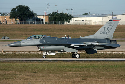 USA - Air Force General Dynamics F-16C Fighting Falcon (401) Fort Worth - NAS JRB / Carswell Field (AFB) (FWH / NFW) USA - Texas, October 27, 2009   Reg: 85-1410 Code: TX Taxiing for a RWY 35 take off in the morning.