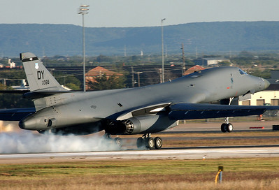 USA - Air Force Rockwell B-1B Lancer Abilene - Dyess AFB (DYS / KDYS) USA - Texas, November 4, 2009   Reg: 85-0088 Code: DY Smoky touch down at the home of the B-One.