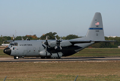 USA - Air Force Lockheed C-130H Hercules (L-382)   Fort Worth - NAS JRB / Carswell Field (AFB) (FWH / NFW) USA - Texas, October 27, 2009   85-1365 (cn 382-5078) Roper 65