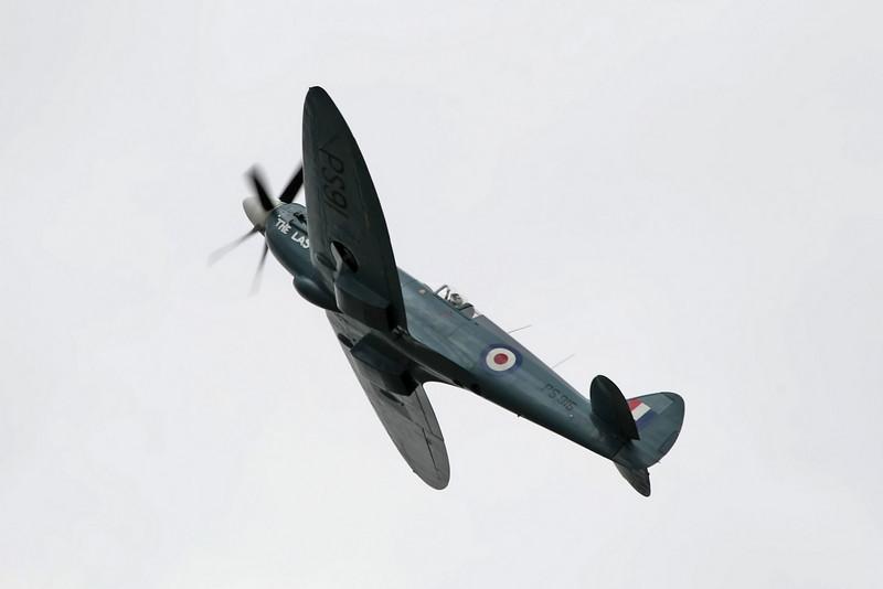 Airshow Fairford 2009 - Battle of Britain Memorial Flight<br /> Avro Lancaster I - Hawker Hurricane IIC - Supermarine Spitfire