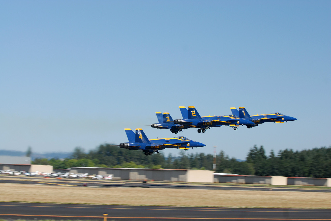 41   Blue Angels - Taking off 1-2-3-4