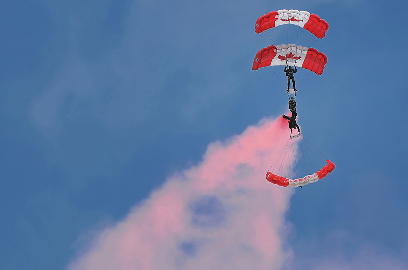 "Canadian Army ""Skyhawks"" Parachute team, 2010 Nova Scotia Int'l Airshow."