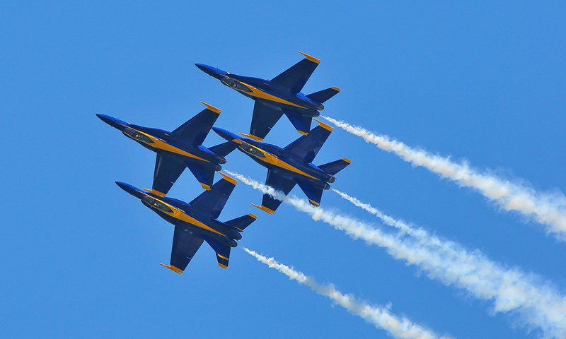 Blue Angels in their tradmark Diamond formation.
