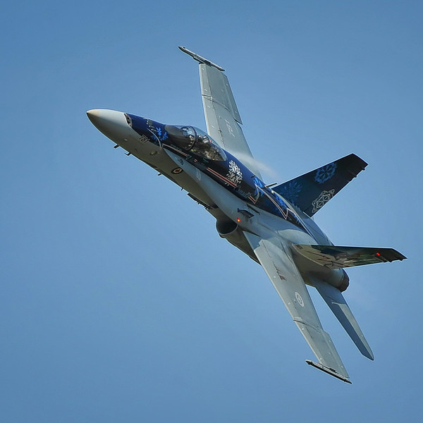 Canadian Forces CF-18 Demo Team strutting its stuff