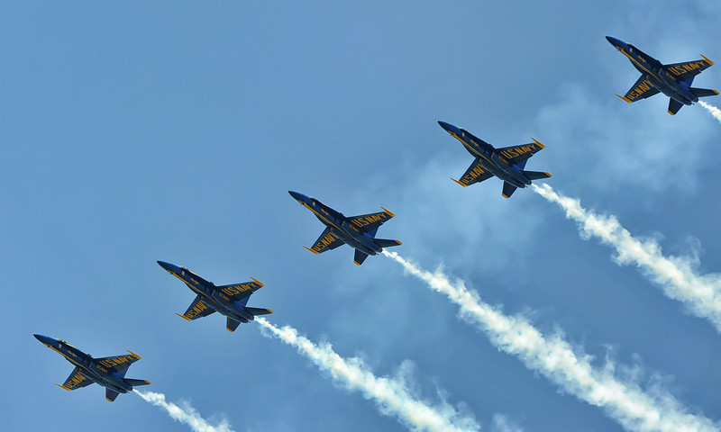Blue Angels entering Line Abreast Loop
