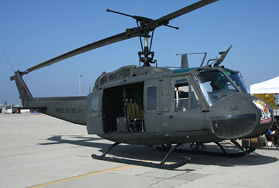 USA - Army Bell UH-1H Iroquois (205) Los Alamitos - AAF (SLI / KSLI) USA - California, October 23, 2011 Reg: 73-21747 Cn: 13435 Large 'Comanchero' markings on the nose.