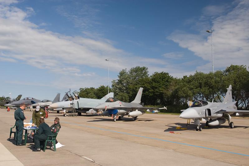 O.a. MiG-29 Fulcrum, F-4 Phantom, F-16 en Eurofighter. Onderdeel van de static display op de open dagen van de luchtmacht.