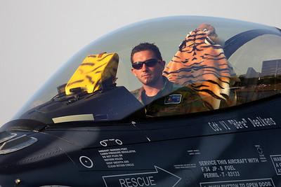 Crew Chief of the Belgian Tiger Viper, FA-87.