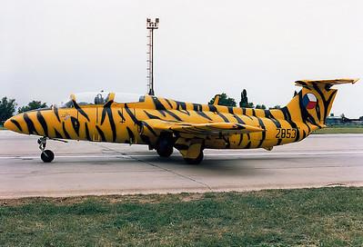 Czechoslovakia - Air Force Aero L-29 Delfin  Zatec (LKZC closed) Czechoslovakia, 10.7.1993,  2853 (cn 892853) Nice tiger colours!