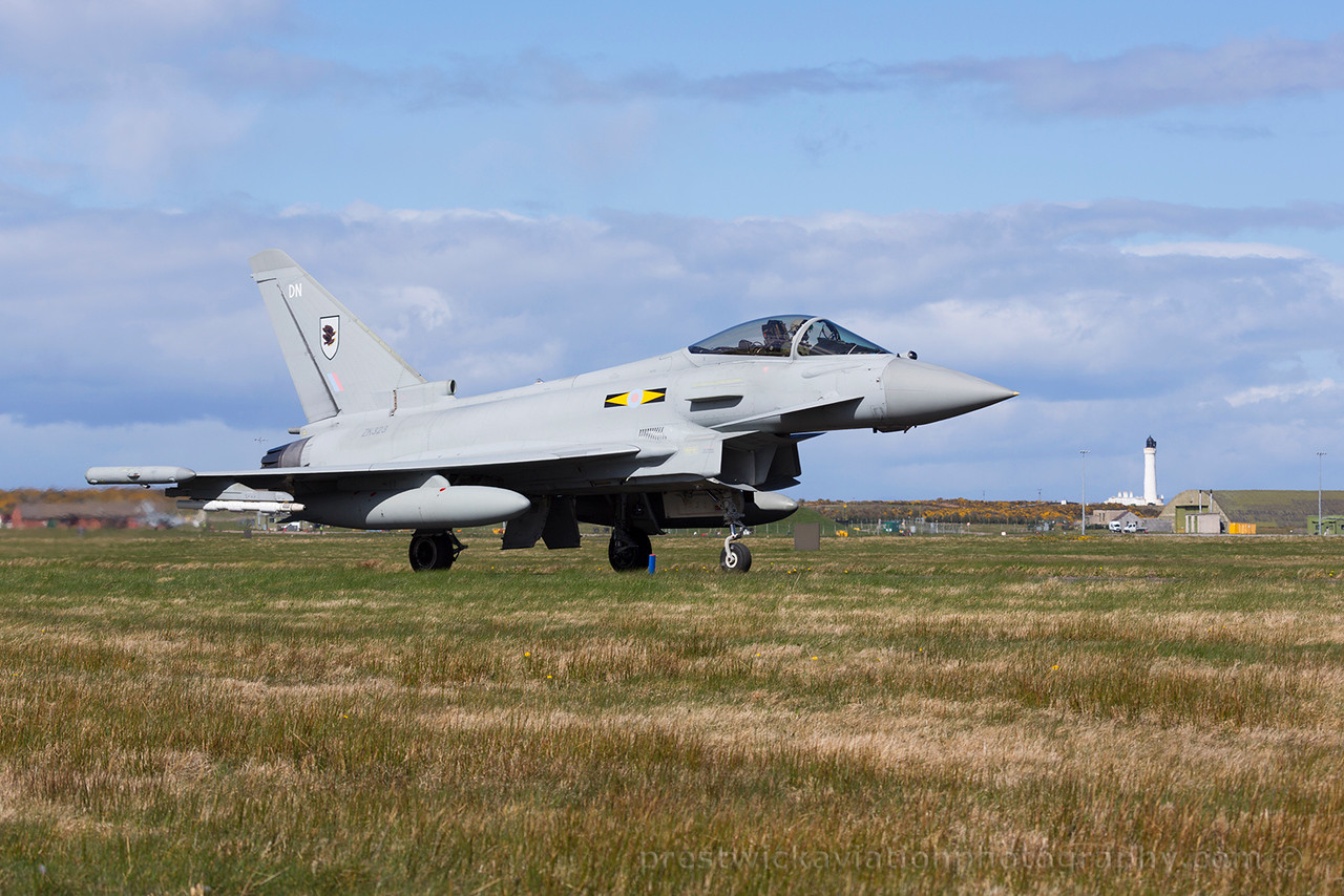 ZK323. Eurofighter EF-2000 Typhoon FGR4. RAF. Lossiemouth. 150415.