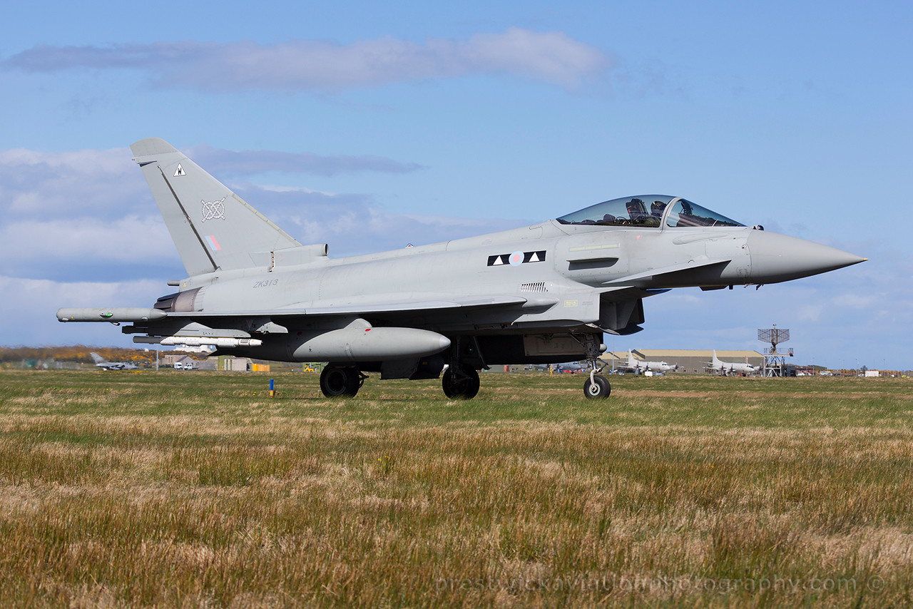 ZK313. Eurofighter EF-2000 Typhoon FGR4. RAF. Lossiemouth. 150415.