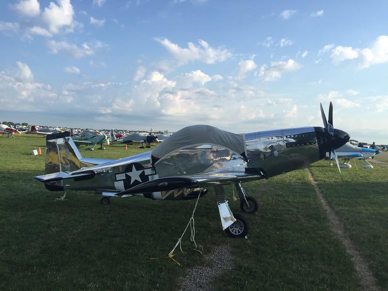 Replica P-51.