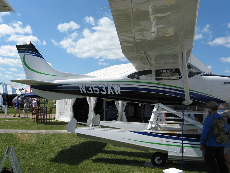 Cessna on floats.