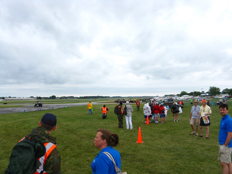 Afternoon airshow flightline in Warbirds. Lots of jets took off and did various formations and fly-bys.