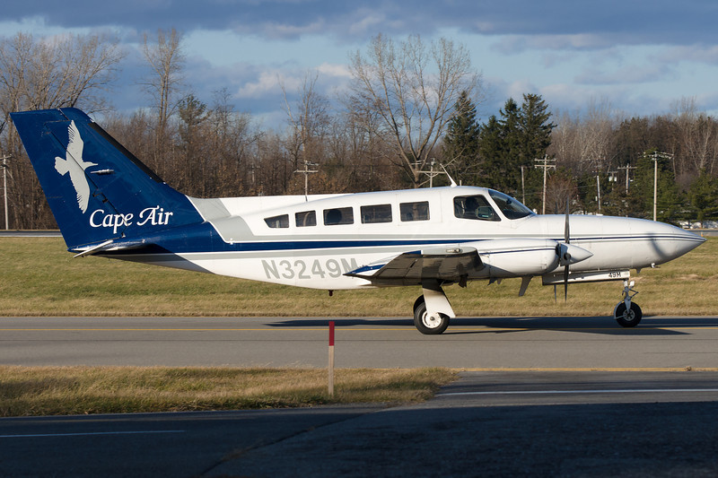 This Cape Air Cessna is taxiing for departure on runway 28.