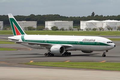 Alitalia Boeing 777-200 EI-DBK
