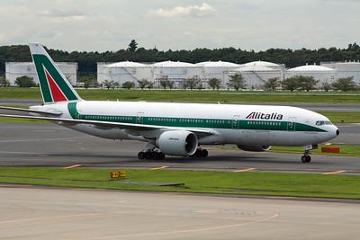 Alitalia Boeing 777-200 EI-ISD