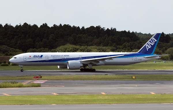 JA792A ANA B777-300