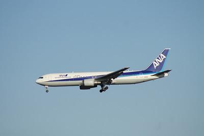 JA611A ANA 767-300