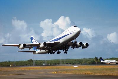 JA-8174 ANA B747-200