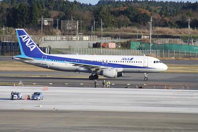 JA8391 ANA A320-200