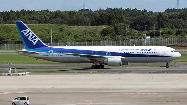 JA612A ANA B767-300