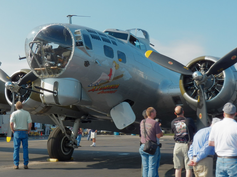 EAA's Aluminum Overcast B17G at Essex County Airport, Caldwell, NJ (KCDW)